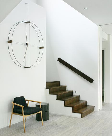 nomon-delmori-orologio-clock-design-fibra-di-vetro-nera-legno-noce (5)