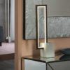 lampada_da_tavolo_rectangle_alluminio_metallo_legno_scuro_base_cemento(1)