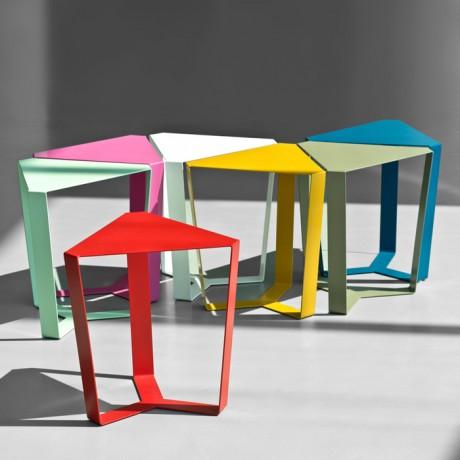 tavolino_da_salotto_metallo_finity_colori_a_base_triangolare (3)
