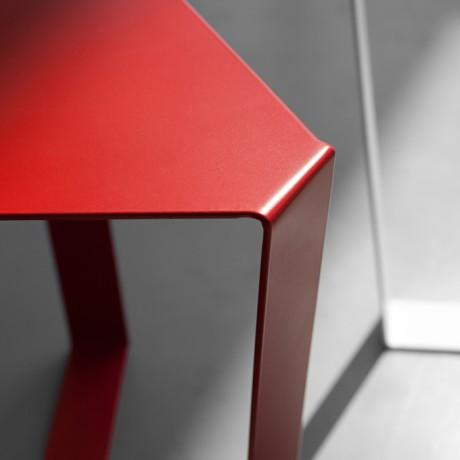 tavolino_da_salotto_metallo_finity_colori_a_base_triangolare (4)