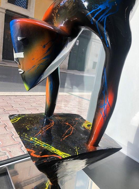 scultura_in_resina_pezzo_unico_design_colori (1)